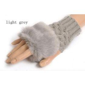 Pletené rukavice bez prstů s kožíškem
