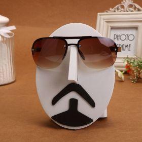 Stojan, držák na sluneční brýle Mustache