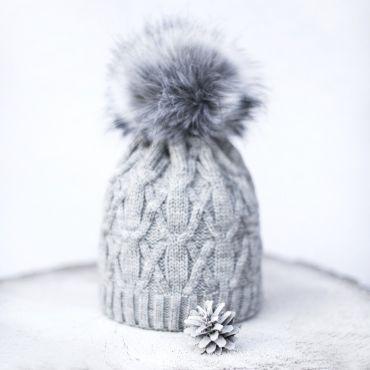 ArtOfPolo dámská zimní čepice Amanda Šedá